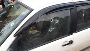 Ankara'da seyir halindeki otomobile ateş açıldı. Araçta bulunan baba ve oğlu öldü.