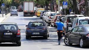 Ankara'da belediyeye ait otoparkların günlük ücreti 1 lira oldu.