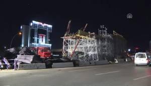 Başkentte Otomobil Köprü İnşaatı İskelesine Çarptı