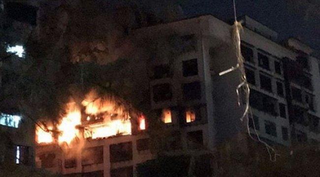 15 katlı binada dehşet veren yangın!