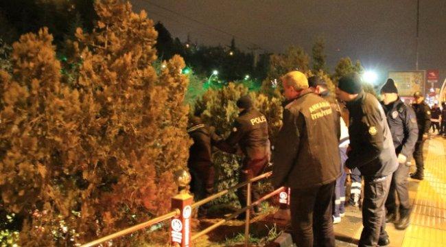 Başkent'te Dengesini Kaybeden Genç Dereye Düştü