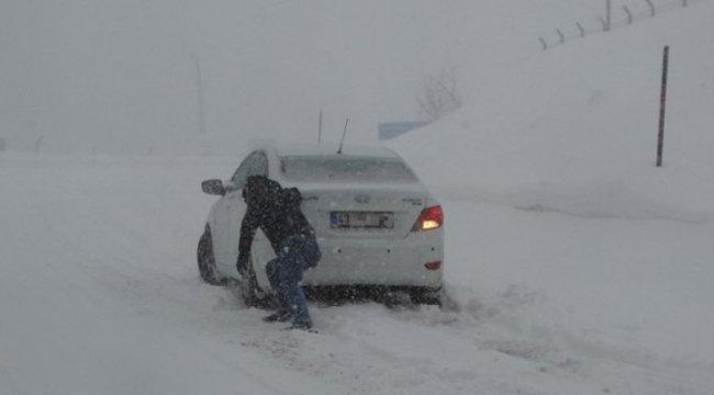 Kütahya'da kar yağışı etkisini artırdı!