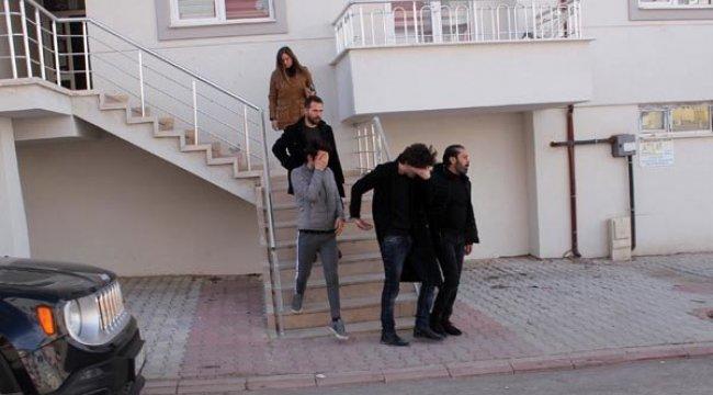 Fuhuş yaparken yakalanan 2 erkekle ilgili şoke eden gelişme!