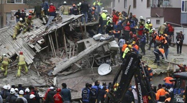 İstanbul Valisi, Çöken Binadaki Acı Bilançoyu Açıkladı: 6 Vatandaşımız Hayatını Kaybetti
