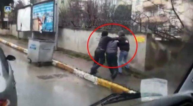 Trafik Magandaları, Önünü Kestikleri Şahsı Tekme Tokat Dövdü