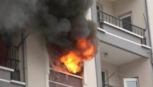 Ankara'da korkutan yangın: 11 kişi dumandan etkilendi