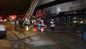 Başkent'te Mobilya Mağazası Yandı
