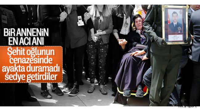 Ankara'da düzenlenen cenaze töreninde şehit Yüzbaşı Özdemir'in yakınlarının üzüntüsü yürekleri dağladı.
