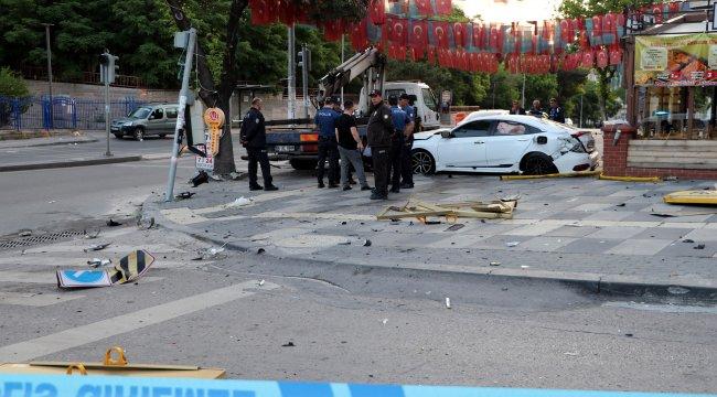 Ankara'da feci kaza: 1'i ağır, 3 yaralı