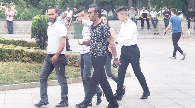 Ankara'da 12 yaşındaki kıza tecavüz edenler, olay tarihinde yaşları küçük diye serbest bırakıldı.