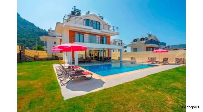 Doğa içerisinde ve havuzu korunaklı Fethiye balayı villaları çiftlerin tercihi oluyor