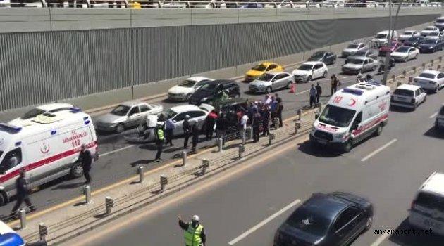 Ankara'da meydana gelen zincirleme trafik kazasında 3 kişi yaralandı.