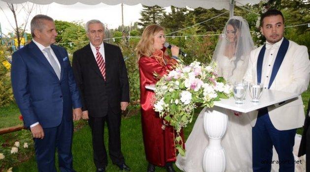 Göktuğ İncesu, Dilara Çankır ile Çeşm-i İncek'te düzenlenen düğünle evlendi.